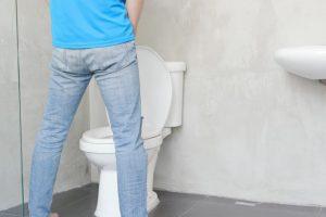 成年男子排尿